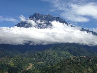 東南アジア最高峰